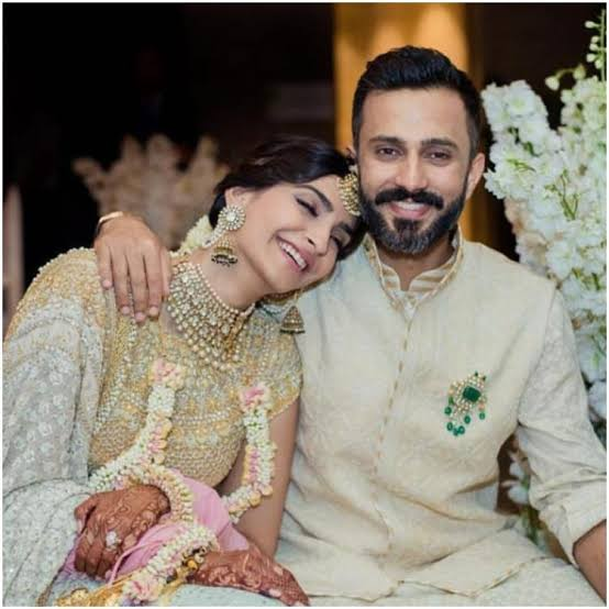 anand ahuja marriage