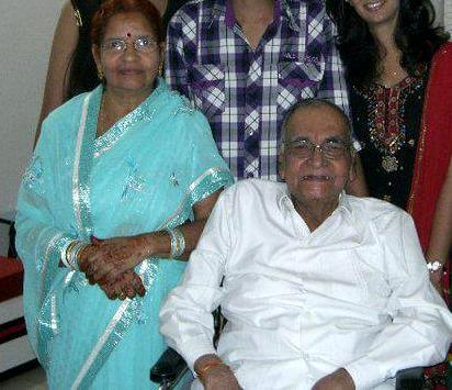 sunil lahri father and mother